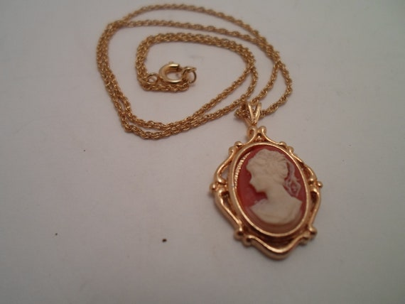 Vintage Cameo Necklace Pendant in Picture Frame Style Setting Soft Delicate Chain