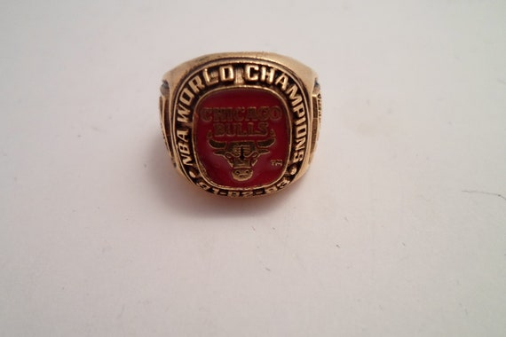 Vintage Chicago Bulls World Championship Ring 91 92 93 Michael Jordan Scottie Pippin Wow