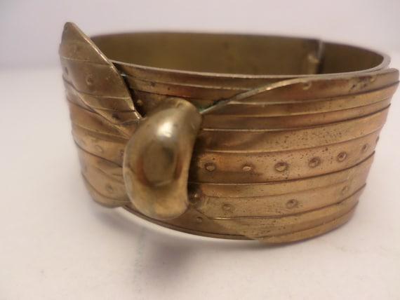 Unique Vintage 1930's brass gold tone metal cuff bracelet ribbon lock cool!