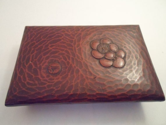 Art Deco Vintage Chinese Lacquered Box Deep Burnt Umber Color Interesting Interior 3 parts Chic Design Decorator Cool