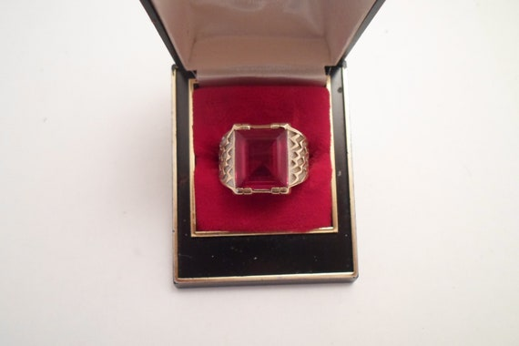Art Deco 14k Gold Large Heavy Red Ruby Garnet Ring Open End Band Lighting Bolt Design in Gold