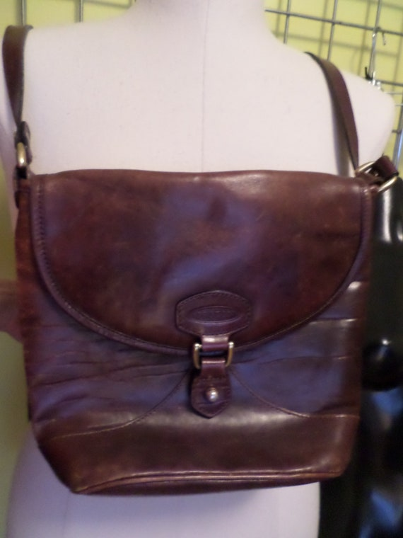 Vintage 80's Oroton chesnut brown leather crossbody purse Sydney