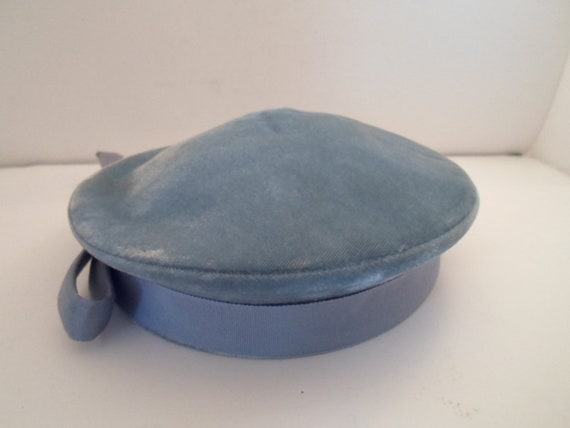 Vintage Art Deco Pill Box Hat Robin Egg Blue Velvet With Grain Ribbon Band and Bow Donnybrook New York Fashion Chic Design