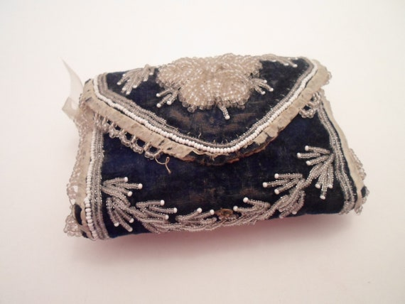 Antique Victorian Iroquois Indian Beaded Needle Sewing Case Pin Cushion Purse Hand Beaded