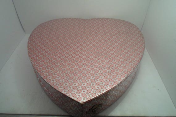 Antique Large deep Valentine Heart Box Hinges and Clasp Stunning Satin lined  very good condition Sweetheart Cupid