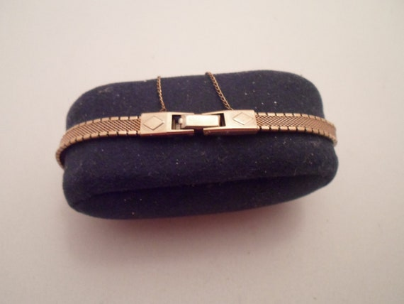 "Vintage Art Deco Finesse Gold Filled Watch Band 5.58"" Beautiful Mesh Band Safety Chain Superb Quality"