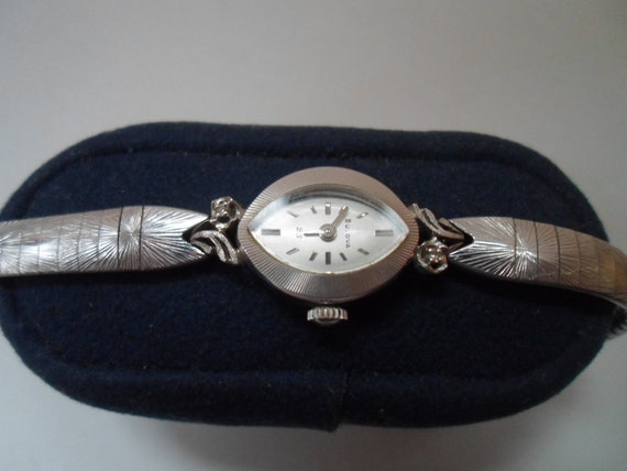 Vintage Bulova 23 Women's 14k Gold Diamond Wrist Watch Engraved 1973 25 years of service
