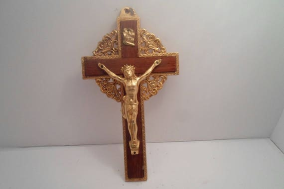 """Vintage Gold Plated Cast Metal and Wood Filigree Crucifix 12""""long 5""""wide 2""""thick Outstanding Cross of Christ Christian symbol"""
