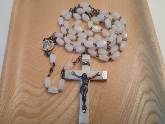 Vintage Notre Dame De Paris Rosary Adorable Faux Mother of Pearl  1950's Souvenir Paris