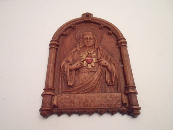 Vintage 1950 Syroco Wood Plaque Sacred Heart of Jesus Red Exposed Heart Promise in Print Made in USA Spiritual Gothic Christian Catholic