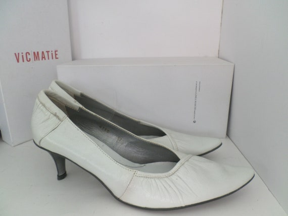 Vintage 90's New unused VIC MATIE White kitten heels size 37 Eu 7.5 US