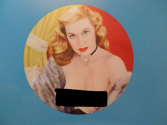 Vintage 50s Pin-Up sexy Glam blonde in mink metal punch out pin up never used
