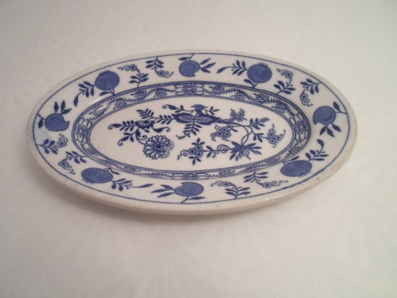 Vintage Blue Onion Small Oval Deep Plate Albert Pick Chicago Restaurant Ware made in England
