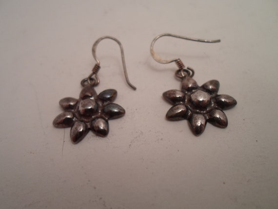Vintage Art Deco Sterling Silver Pierced Earrings Signed HO 925 Flower Daisy Adorable