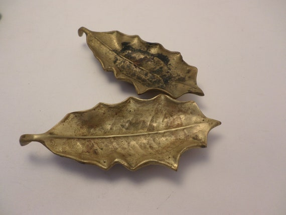 Vintage solid Brass holly leaf trinket trays Virginai Metal Crafters 1948