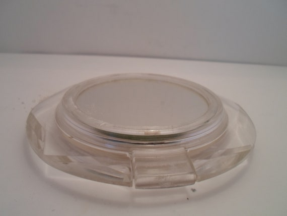 Vintage Lucite Belle Ayre Powder Compact all Original Glam Era Hollywood Cool Flying Saucer Shape