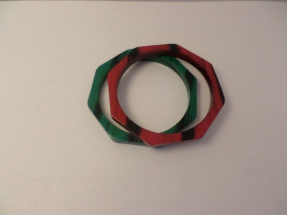 super cute vintage Deco octagon faux marble bracelets plastic red and jade