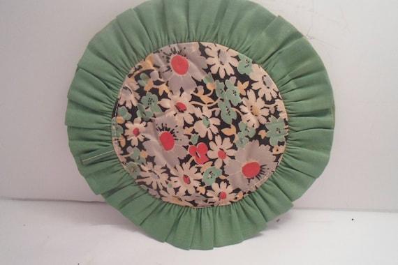 Folk Art Hand Made Pot Holder Hot Pad Adorable Depression Era Fabric