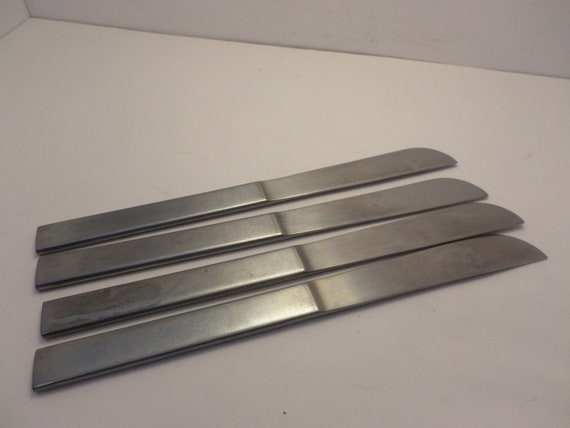 4 MODERNIST mid-Century Modern dinner knives The main course stainless steel