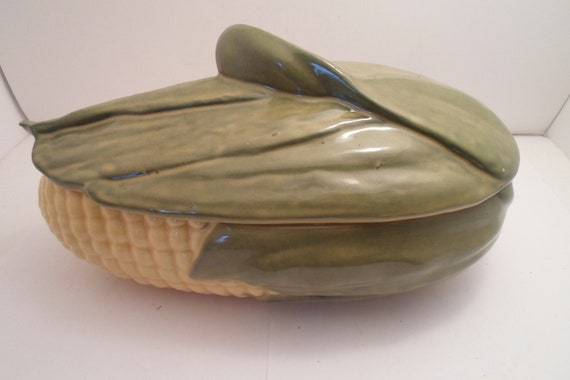 Shawnee Pottery King Corn Large Covered Casserole Beautiful  Perfect Condition Farm to Table Ready Cottage Farmhouse Chic Not a Reproduction