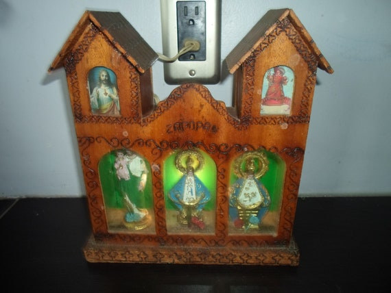 """Antique Mexican Carved Gilt Wood Enclosed Lighted Shrine Our Lady of Zapopan 3 Statues in Glass Wood Mini 10"""" Church Religious Spiritual"""