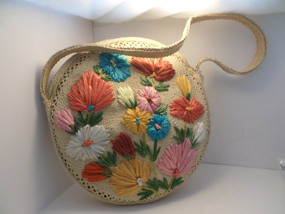 Vintage straw circle floral purse round shoulderbag vibrant flowers new old stock