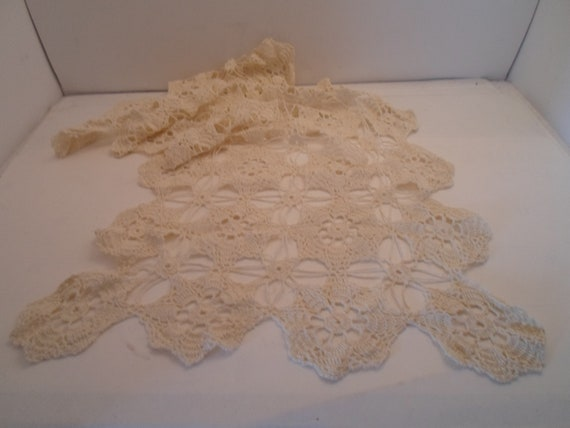 Antique Hand Crochet Spider Webb Pattern Table Scarf Shabby Chic Ready for your Cottage