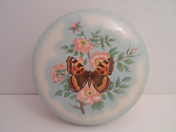 Vintage Powder Tin 1970's Daher Long Island NY Made in England Beautiful Butterfly
