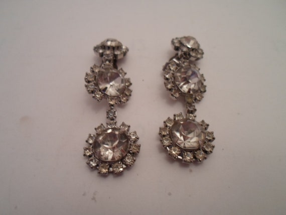Vintage Long Drop Art Deco Clip Earrings Daisy Flowers Cocktail Prom Regency Chic Fabulous Design