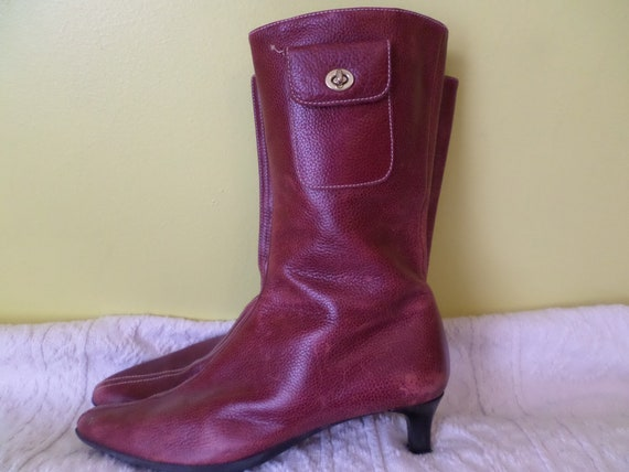 Vintage 00's COACH boot kitten heel pointed toe Made in Italy all leather inside out, rubber bottoms.