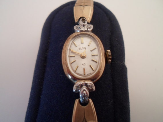 Vintage Elgin Ladies Wristwatch Tiny diamonds As Found Beautiful etched band