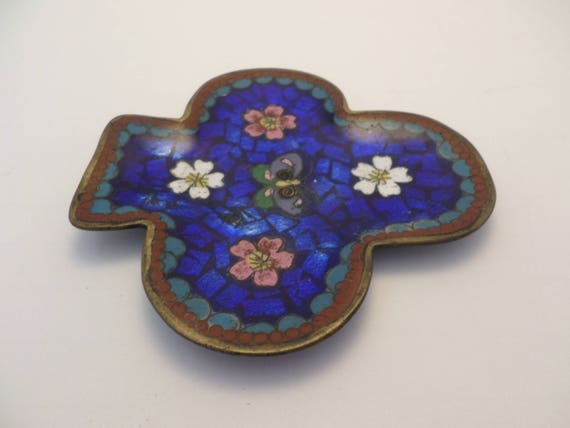 Vintage enameled shell & brass dish clover with flowers and butterfly lovely