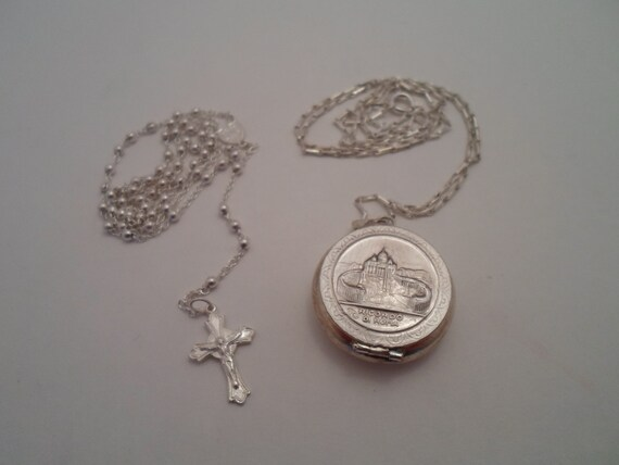 """Vintage Rhodium Finish Ricardo Di Roma Vatican Italy Locket with Minature Rosary Excellent Adorable 22""""chain"""