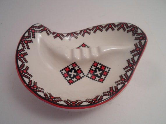 Vintage Ukrainian Pottery Trinket Tray Ash Tray Ethnic Asymmetrical Pattern European