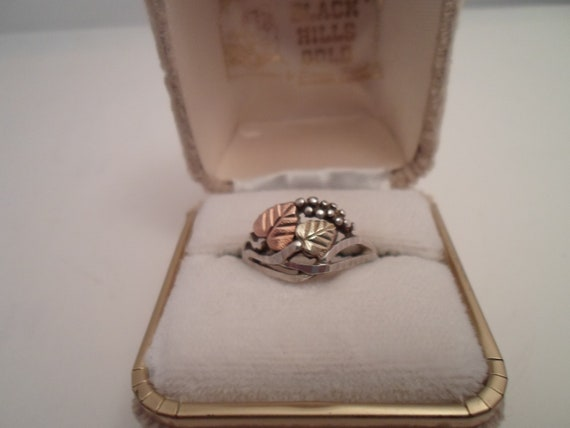 Vintage Black Hills Gold Ring Rose Gold & Yellow Gold Plate Leaves Sterling Silver marked shank Beautiful Design classic has Original Box