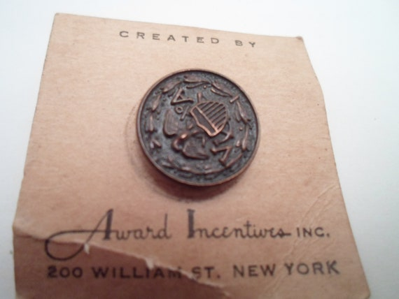 Antique Military WWII Pin Button VA Anchors USA Flag Protection Shield Eagle on Original card Award Incentives New York