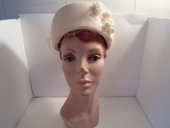 Vintage 60's  Pill Box Hat with Veil Over White Wool Felt Fine Millinery Rose Buds