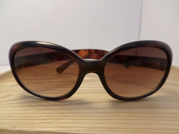 vintage 70's plastic tortise sunglasses, big for a little face