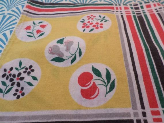vintage 40's table runner cherries, pears, flowers fabric textiles