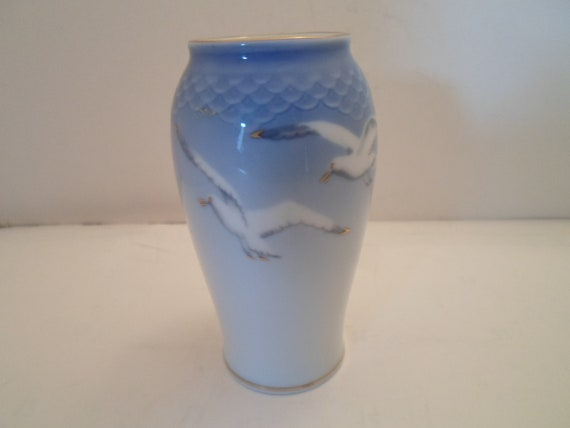 Art Deco Design Bing and Grondahl Denmark Seagull Bird Vase Nautical Natural Beauty