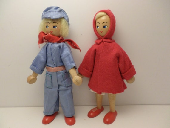 Mid-Century Wooden dolls ethnic couple Scandinavian super cute blonde man & woman