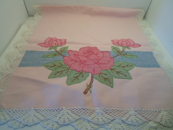 Art Deco Embroidered Table Runner Dresser Scarf Powder Pink Textured Cotton Large Roses Leaves Crocheted Edges