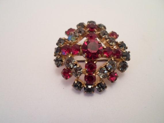Vintage Austrian Crystal Stunning Brooch Pin Garnet Red and Unusual Blue Grey Stones Stunning Sparkle signed Austria