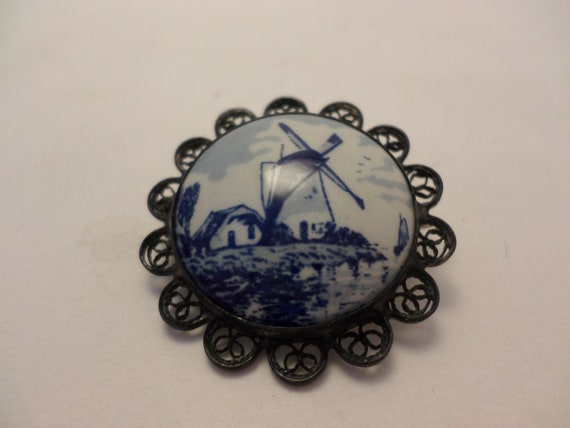 vintage 1 &1/25 Delft porcelain Dutch windmill tile silver scrolled edge pin