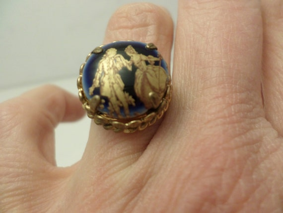 Lovely Limoges France porcelain ring adjustable gold tone metal, gold leaf man & woman