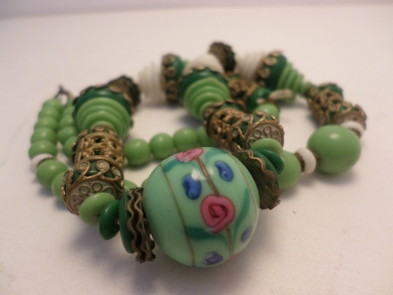 Fabulous Vintage art glass beads jadite green white 1930's deco necklace