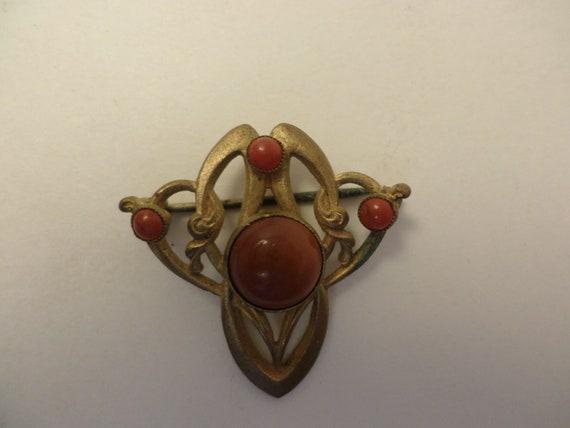 vintage Art Nouveau/Art Deco pin gold and carnelion colors