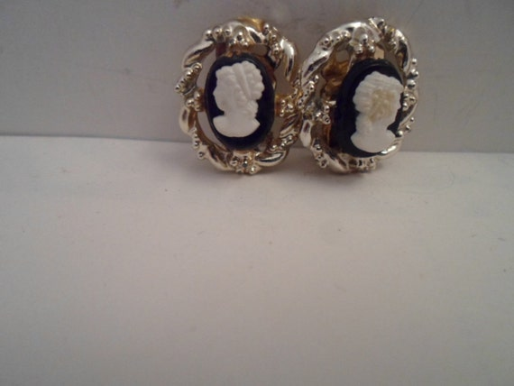 Vintage Art Deco Faux Cameo Clip on Earrings Victorian Lady Flower at Breast Braided Frame Comfortable clip