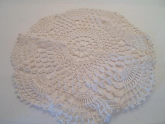 Vintage Art Deco  Hand crochet Cotton Lace Doily Boudoir Round Lace Use or Re Purpose