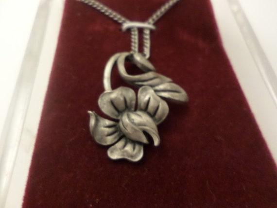 Vintage 70's pewter art nouveau flower necklace in box